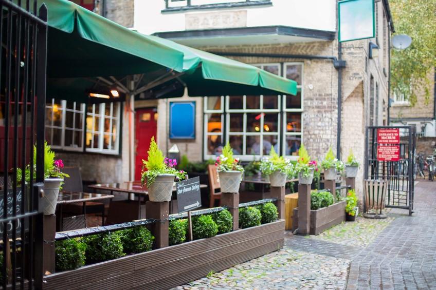 Perfect outdoor bar ideas
